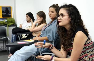 Estudiantes de psicología de la UNA dialogan sobre el refugio con jóvenes nicaragüenses en el exilio